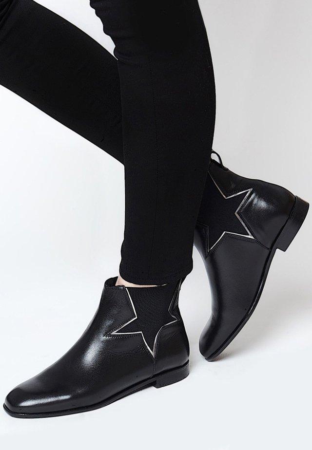 MIT STRETCH EINSATZ - Classic ankle boots - black