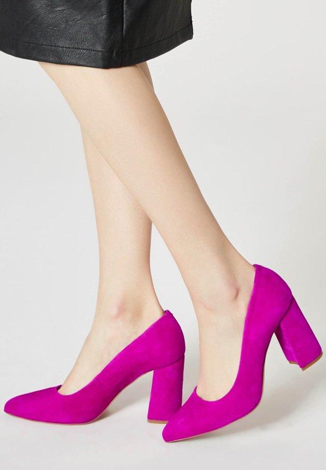 Classic heels - fuchsia