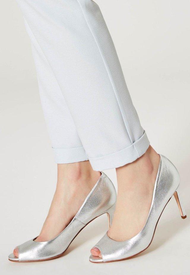 Højhælede peep-toes - silver