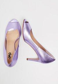 myMo at night - Peeptoes - purple metallic - 2