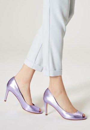Peeptoes - purple metallic