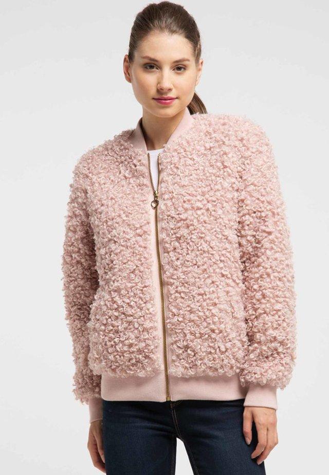 Kurtka zimowa - light pink