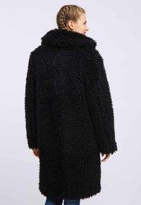 myMo - Płaszcz zimowy - black - 2