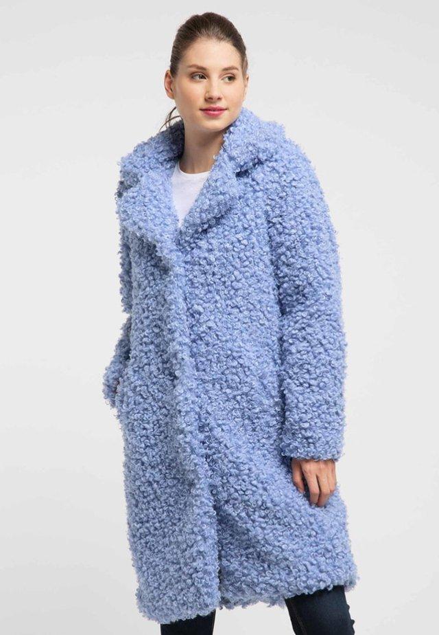 Płaszcz zimowy - light blue