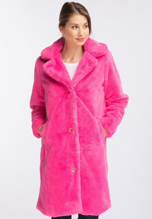 Płaszcz zimowy - pink