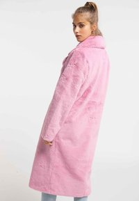myMo - MANTEL - Płaszcz zimowy - light pink - 2