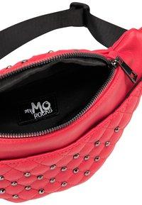 myMo ROCKS - Ledvinka - red - 3