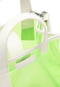 myMo ATHLSR - Handväska - neon green - 3