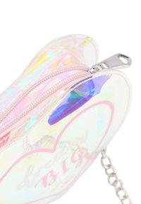 myMo - Across body bag - light pink - 3
