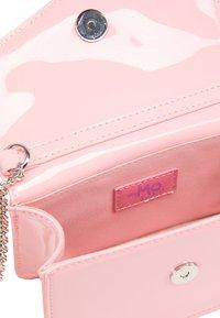 MyMo Accessories - CROSSBODY BAG - Across body bag - light pink - 3