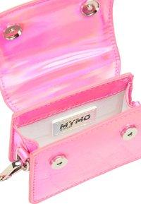 myMo ATHLSR - MINI-TASCHE - Handbag - pink holo - 4