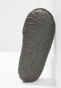 Nanga - KLETTE - Domácí obuv - mittelgrau - 4