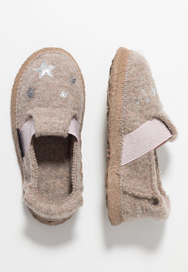 LUCKY FAIRY - Domácí obuv - natur