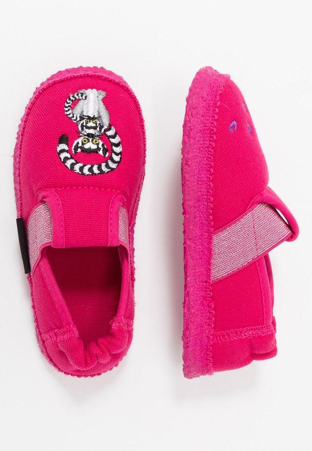 LEMUR - Domácí obuv - himbeere