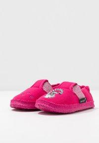 Nanga - LEMUR - Domácí obuv - himbeere - 3