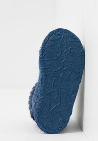 Nanga - TAL - Slippers - mittelblau - 5