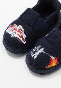 Nanga - FEUERWEHR - Slippers - dunkelblau - 6
