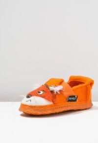 Nanga - FOX - Domácí obuv - orange - 2