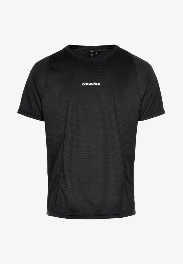 TECH TEE - Print T-shirt - black