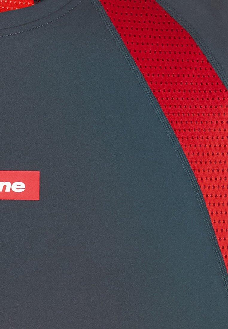 Newline BLACK FEATHER TEE - T-shirt imprimé - titanium