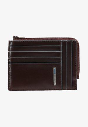 SQUARE ZIP WALLET - Peněženka - mahogany
