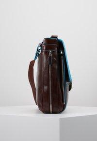 Piquadro - BRIEFCASE WITH FLAP - Notebooktasche - moro - 3