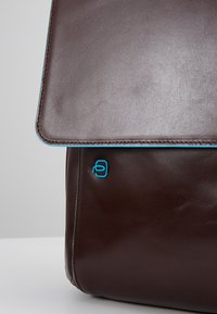 Piquadro - BRIEFCASE WITH FLAP - Notebooktasche - moro - 7