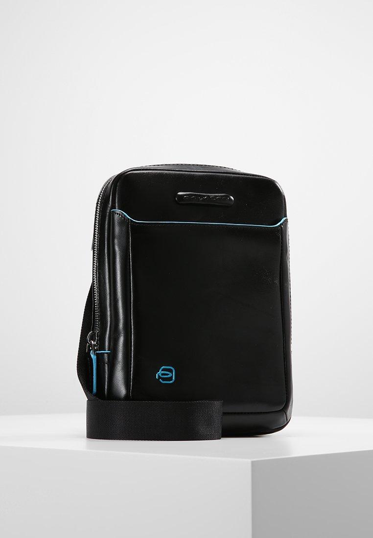Piquadro - SQUARE CROSS BODY BAG - Across body bag - nero