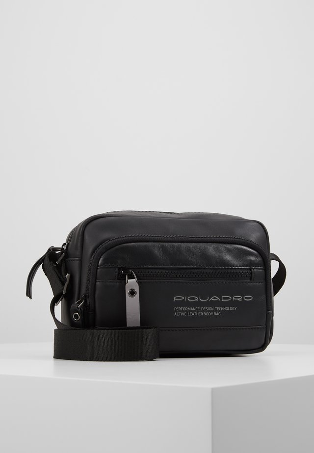 CROSSOVER BAG - Sac bandoulière - nero
