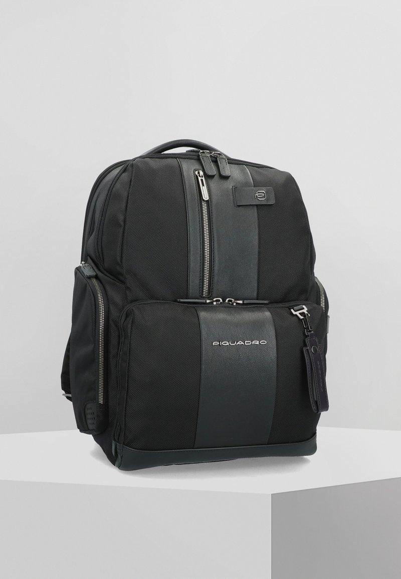 Piquadro - Backpack - black