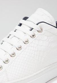 Roberto Cavalli - WILLY - Sneakers - white - 5