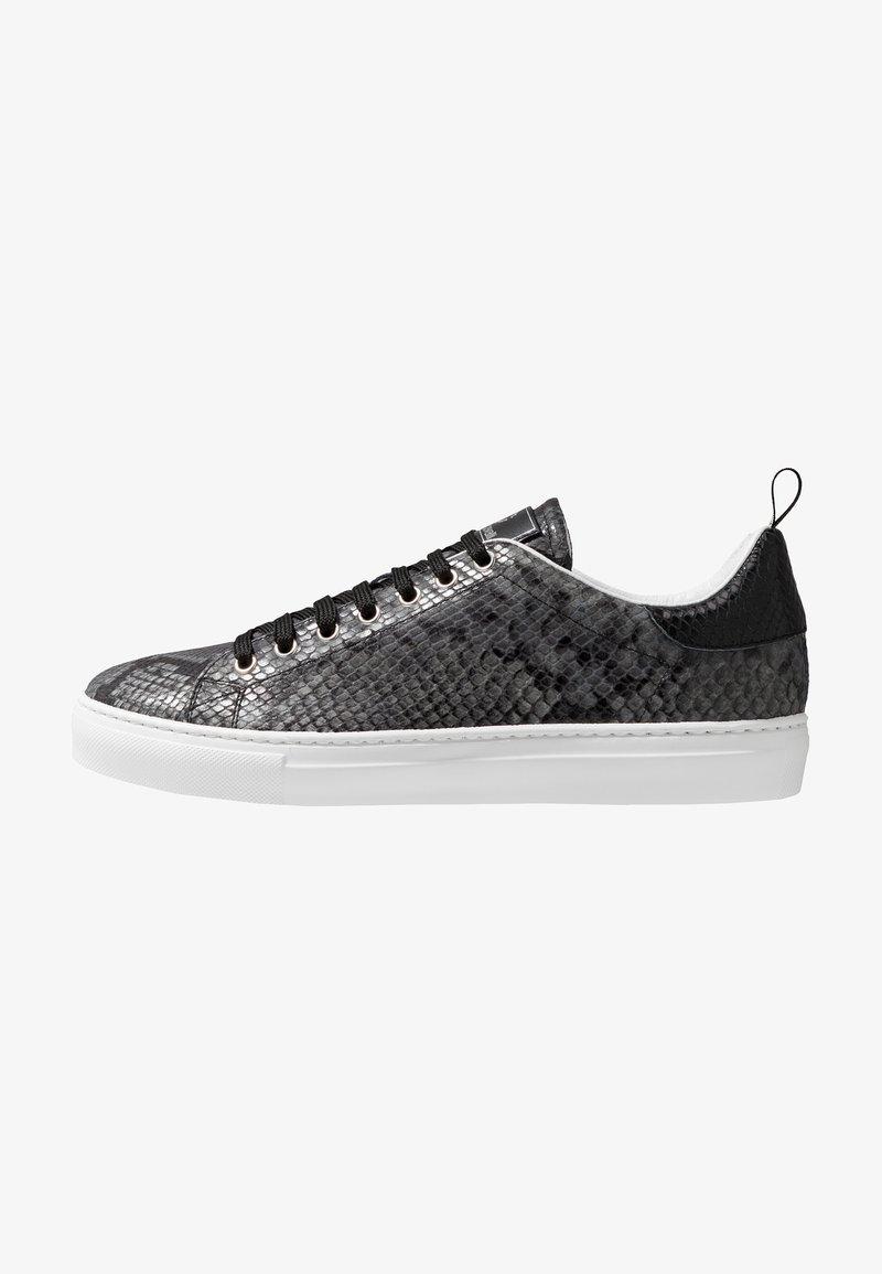Roberto Cavalli - Sneakersy niskie - stone/black