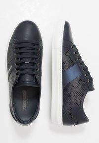 Roberto Cavalli - Sneakersy niskie - navy - 1