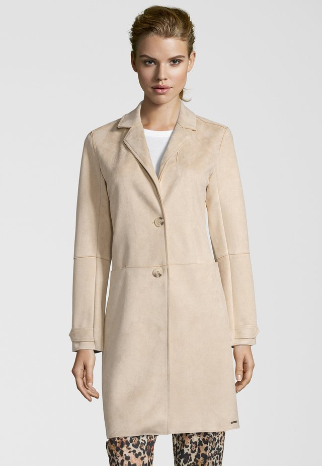 MANTEL BABICE - Short coat - sand