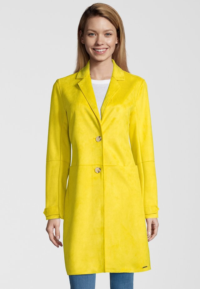 MANTEL BABICE - Short coat - yellow