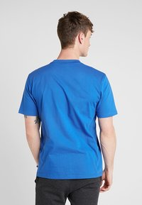 Russell Athletic - BASELINERS  AUTHENTIC  - Basic T-shirt - cobalt - 2
