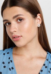 SNÖ of Sweden - SMALL EAR - Earrings - gold-coloured - 1