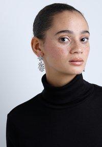 SNÖ of Sweden - KAIRO BIG PENDANT EAR - Earrings - silver-coloured - 1