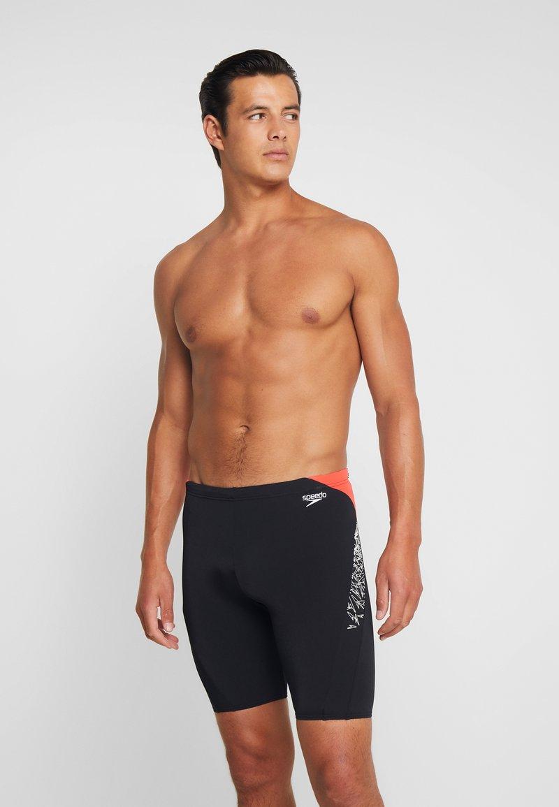 Speedo - BOOM SPLICE JAMMER - Swimming trunks - black/white/lava red