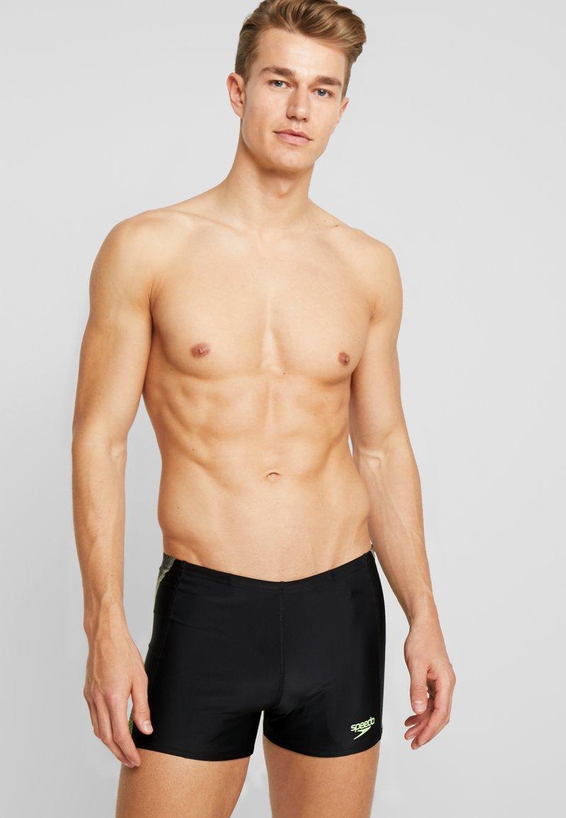 Speedo - PLACEMENT AQUASHORT - Swimming trunks - black/bright zest/oxid grey