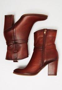 usha - Botines - brown - 5