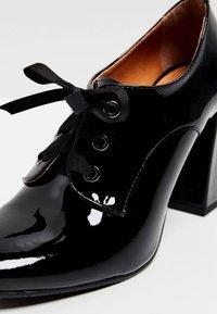 usha - Zapatos altos - black - 5