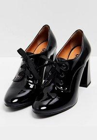 usha - Zapatos altos - black - 2