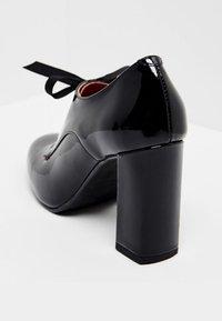 usha - Zapatos altos - black - 3