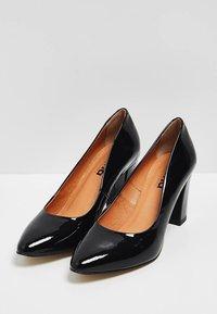 usha - Zapatos de plataforma - black - 3