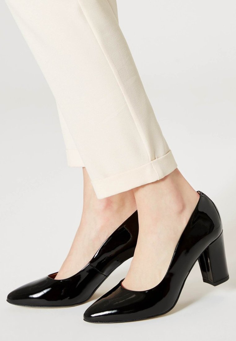 usha - Zapatos de plataforma - black