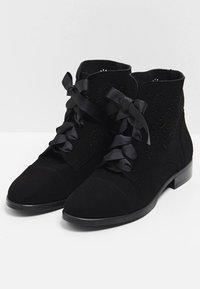usha - Botines bajos - black - 3
