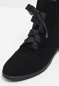 usha - Botines bajos - black - 6