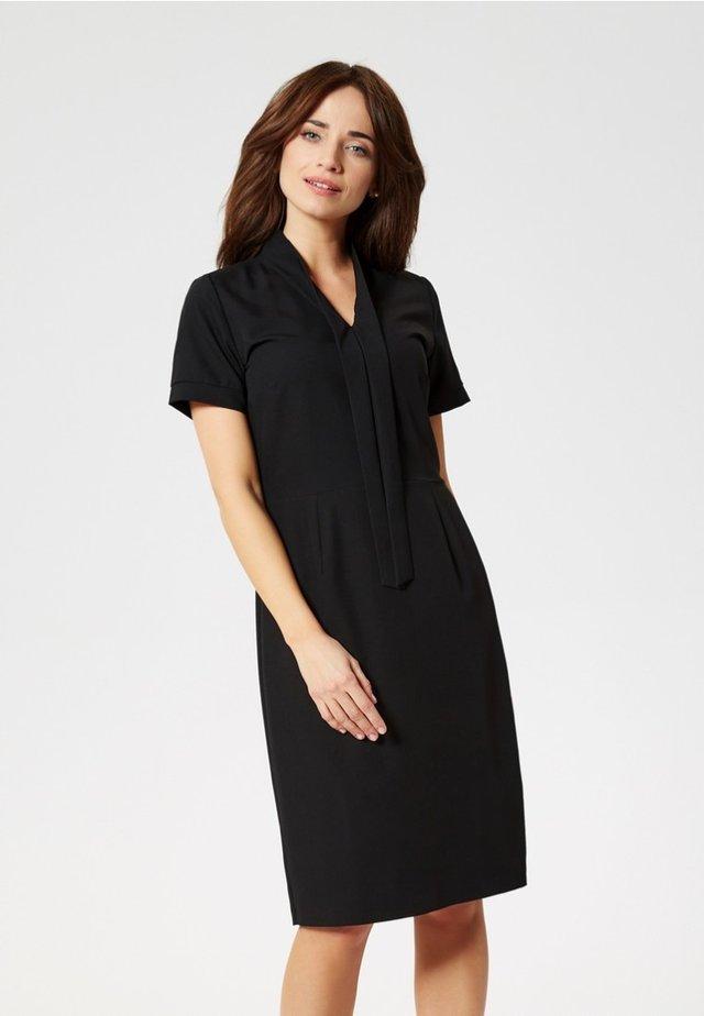 Pouzdrové šaty - black