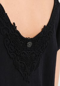 Usha - T-shirt basic - black - 3
